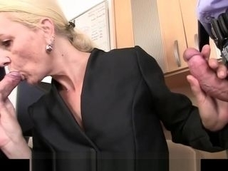 Skinny blonde old mature woman swallows two cocks